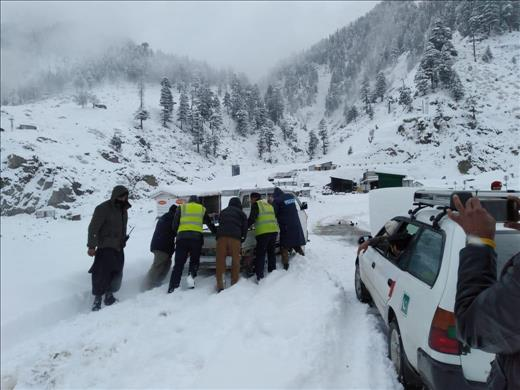 Image result for Main Kalam road closed for traffic due to heavy snowfall