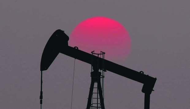 Probes, squeezed profits change the oil trading game