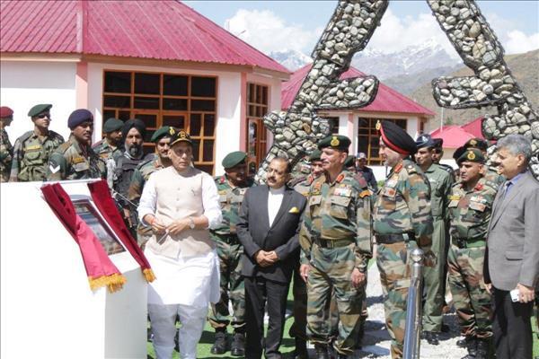 Def Min Rajnath Singh Visits Kargil War Memorial In Drass