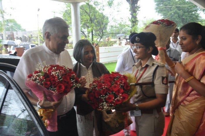 Sri Lanka- Ranil goes to India to seek divine assistance   MENAFN COM