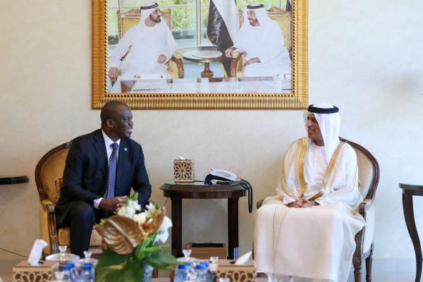 UAE- Saud bin Saqr receives Consul General of South Africa - MENAFN.COM