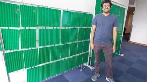 Researchers create wallpaper-like device to boost wireless signals