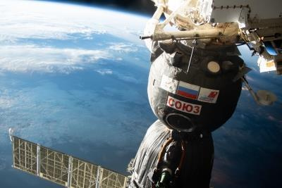 ISS team to move Soyuz to make room for new members