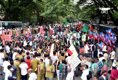 Bharat Bandh evokes mixed response in Gujarat